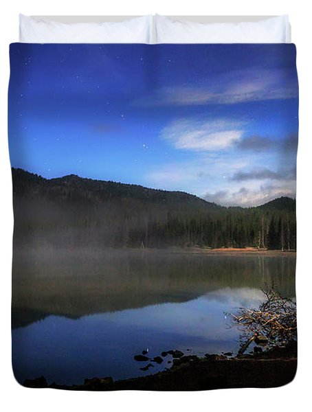 Duvet Cover featuring the photograph Daybreak At Sparks Lake by Cat Connor