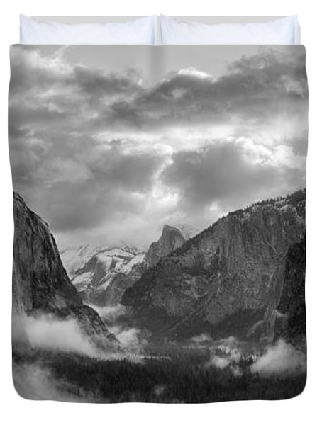 Daybreak Over Yosemite Duvet Cover