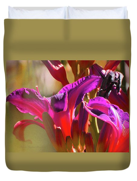 Daylily Abstract Colors - Beauty In The Garden Duvet Cover