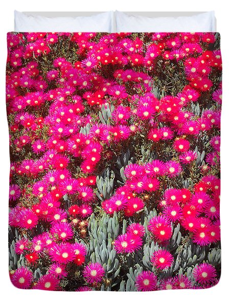 Dazzling Pink Flowers Duvet Cover