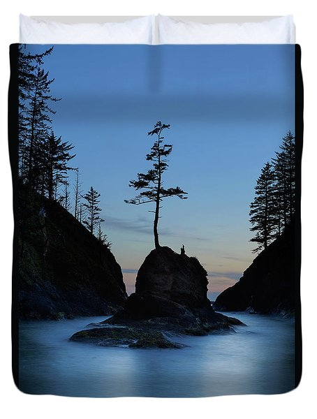 Deadman's Cove At Cape Disappointment At Twilight Duvet Cover