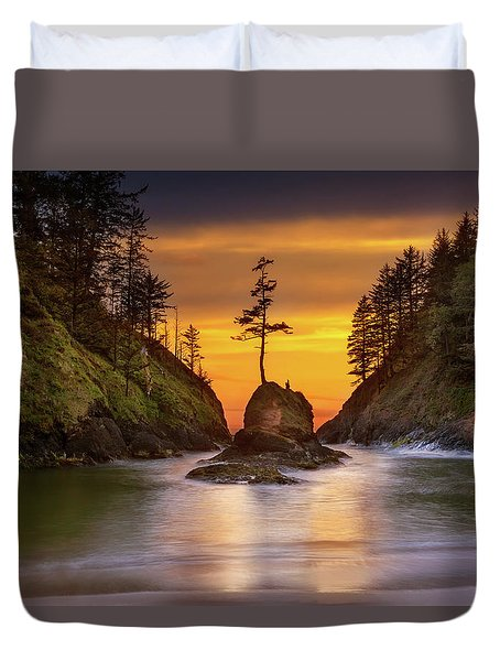 Deadman's Cove At Cape Disappointment State Park Duvet Cover