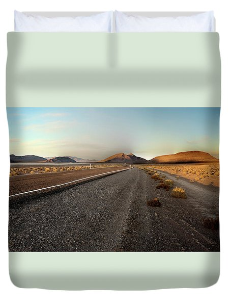 Death Valley Hitch Hiker Duvet Cover by Gary Warnimont