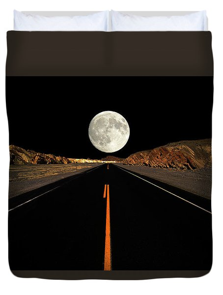 Death Valley Moon Rise Duvet Cover