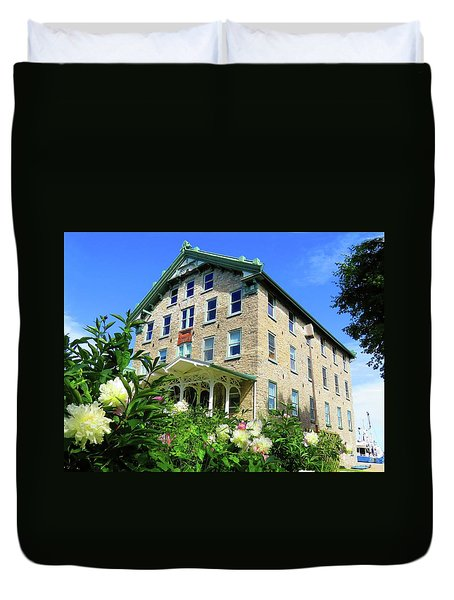 Dec Building Cape Vincent Ny Duvet Cover