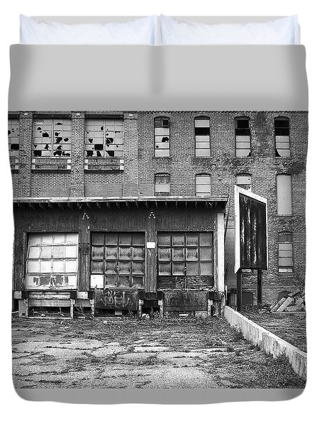 Duvet Cover featuring the photograph Decay by Lora Lee Chapman
