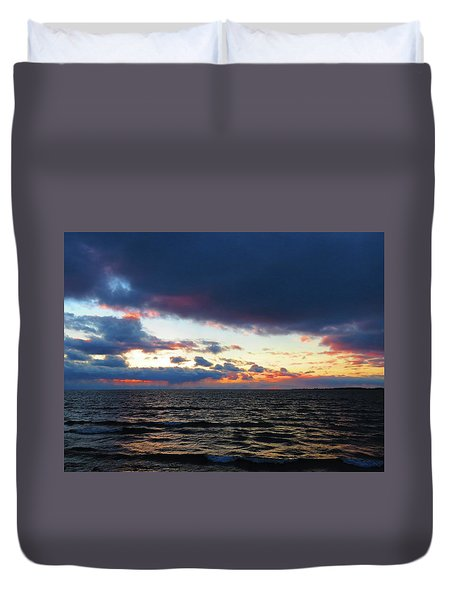 December Sunset, Wolfe Island, Ca. View From Tibbetts Point Lighthouse Duvet Cover