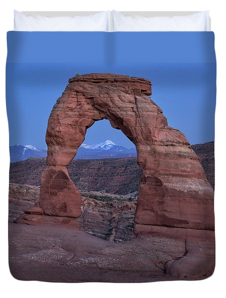Delicate Arch At Twilight Duvet Cover