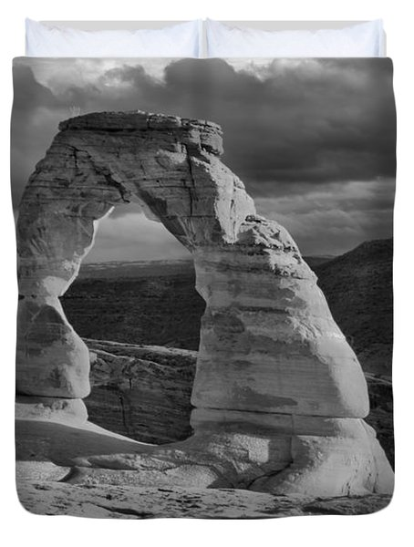 Delicate Arch Black And White Sunset Shadow Duvet Cover