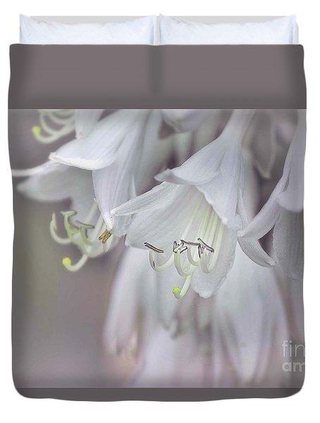 Delicate White Flowers Duvet Cover