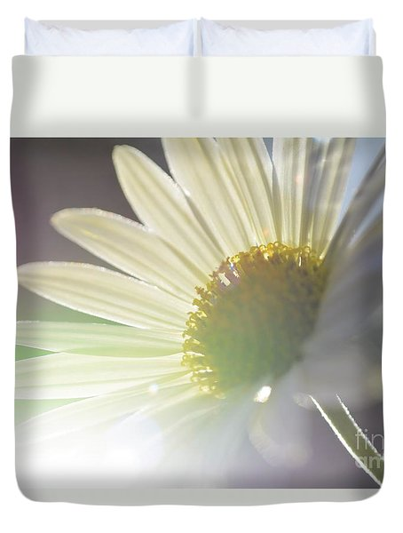 Delightful Radiance Duvet Cover