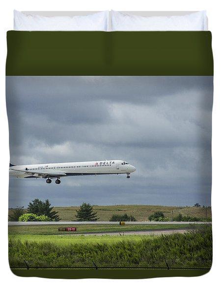 Delta Airlines Mcdonnell Douglas Aircraft N952dl Hartsfield-jackson Atlanta International Airport Duvet Cover