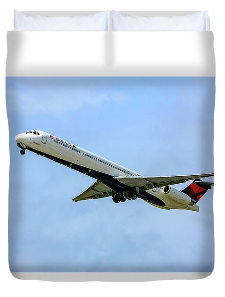Delta Md88 Duvet Cover