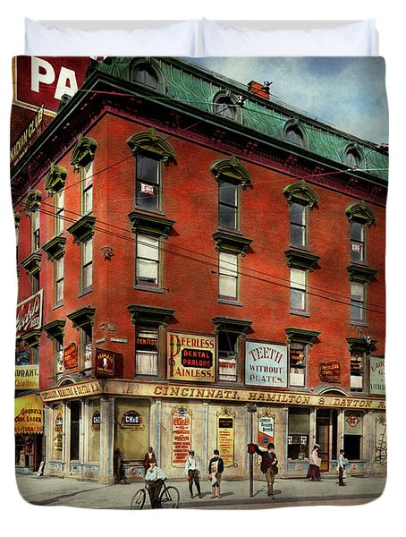 Duvet Cover featuring the photograph Dentist - Peerless Painless Dental Parlors 1910 by Mike Savad