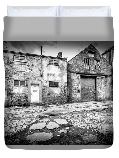 Duvet Cover featuring the photograph Derelict Building by Gary Gillette