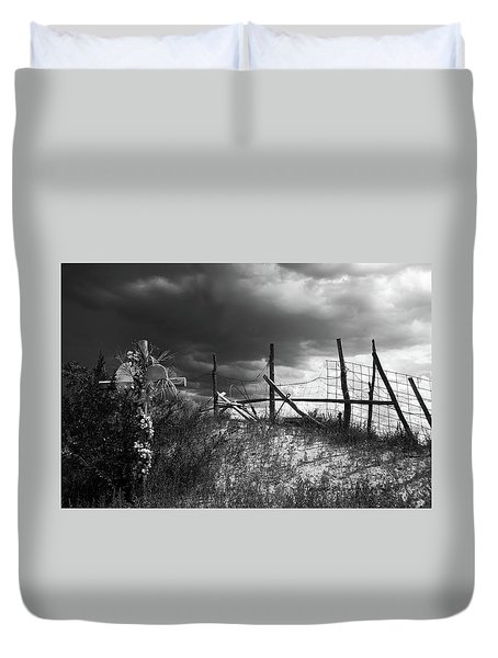 Descanso On Side Of Road Duvet Cover