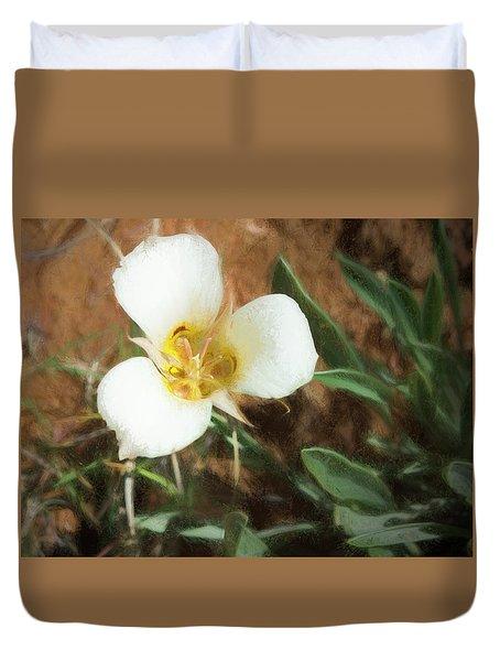 Desert Mariposa Lily Duvet Cover