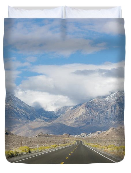 Deserted Road To Mt. Whitney Duvet Cover