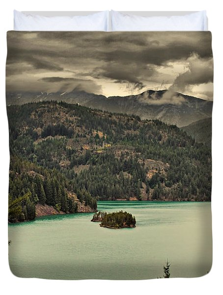 Diablo Lake - Le Grand Seigneur Of North Cascades National Park Wa Usa Duvet Cover by Christine Till