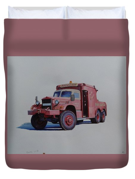 Duvet Cover featuring the painting Diamond T Wrecker. by Mike Jeffries