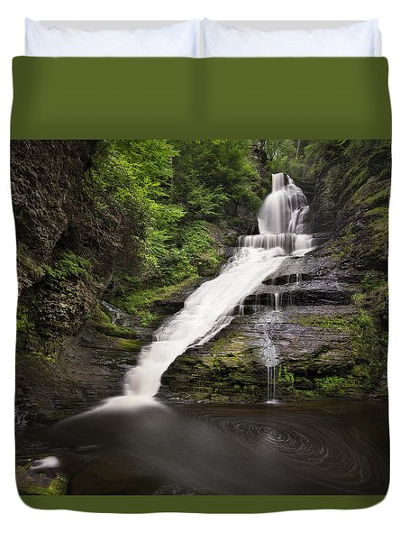 Duvet Cover featuring the photograph Dingmans Falls by Yelena Rozov