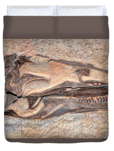 Duvet Cover featuring the photograph Dinosaur Skull And Teeth In Rock - Utah by Gary Whitton