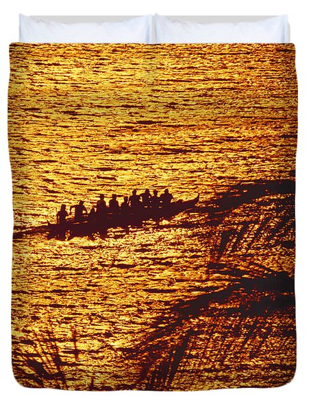 Distant View Of Outrigger Duvet Cover by Ron Dahlquist - Printscapes