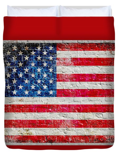 Distressed American Flag On Old Brick Wall - Horizontal Duvet Cover