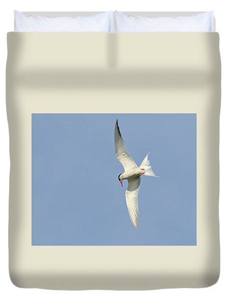 Duvet Cover featuring the photograph Dive by Tony Beck