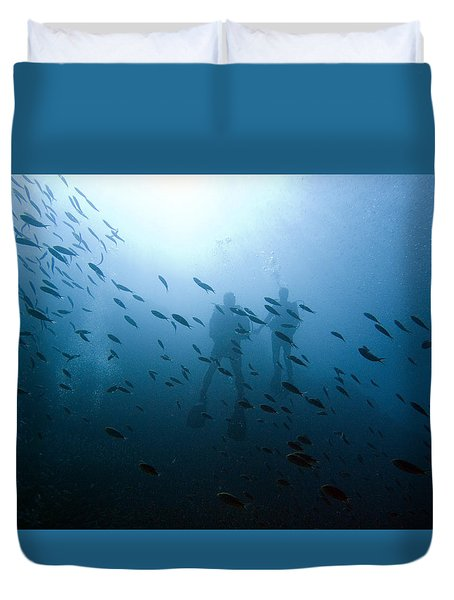Diving With Fishes Duvet Cover
