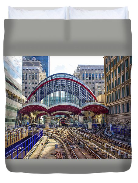 Dlr Canary Wharf And Approaching Train Duvet Cover
