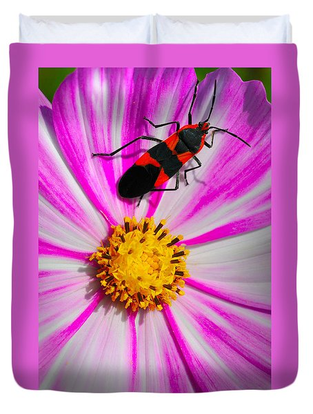 Do I Clash With This Flower? Duvet Cover