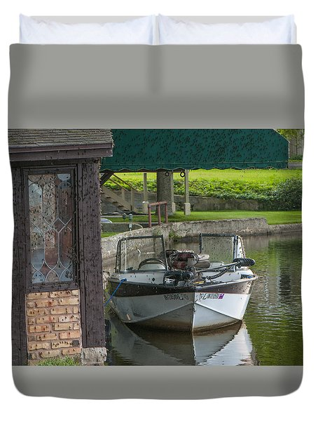 Docking Mayflies Duvet Cover
