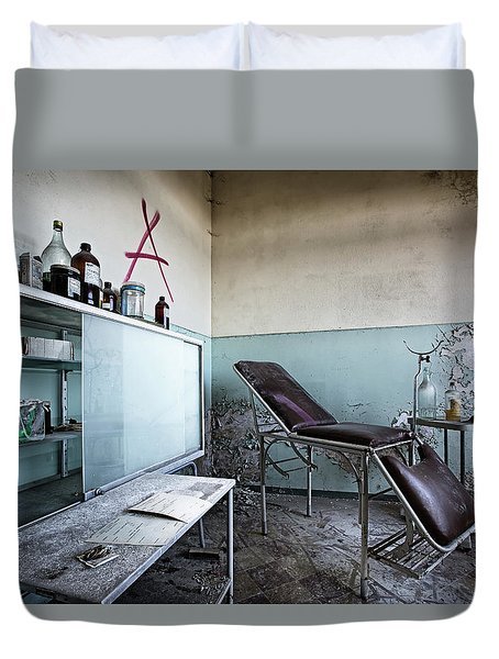 Duvet Cover featuring the photograph Doctor Chair Awaits Patient - Urbex Exploaration by Dirk Ercken