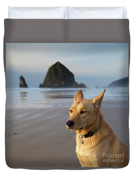 Dog Portrait @ Cannon Beach Duvet Cover