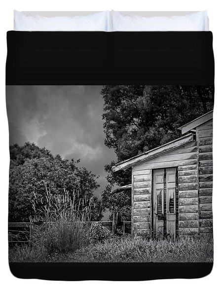 Don't Come Knockin' Duvet Cover by Wallaroo Images