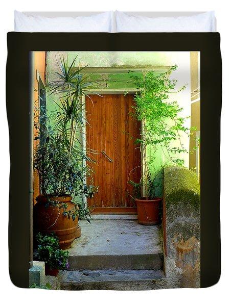 Doorway In Vernazza Duvet Cover