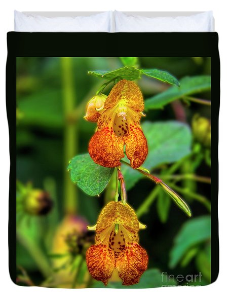 Double Shot Of Jewelweed Duvet Cover