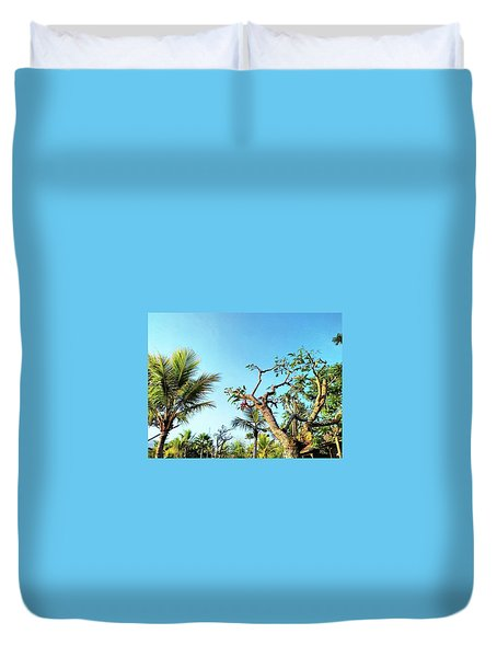 Tree And Blue Sky Duvet Cover