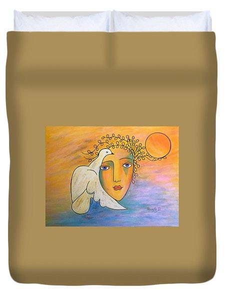 Dove-whisperer Duvet Cover