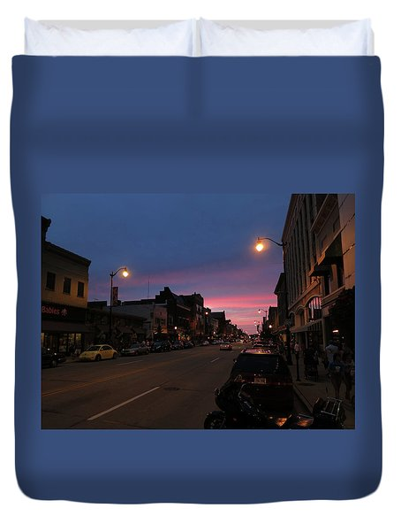 Duvet Cover featuring the photograph Downtown Racine At Dusk by Mark Czerniec