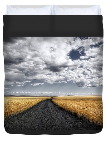 Drama On The Horse Heaven Hill Duvet Cover