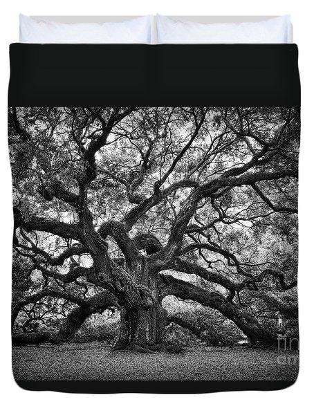 Dramatic Angel Oak In Black And White Duvet Cover