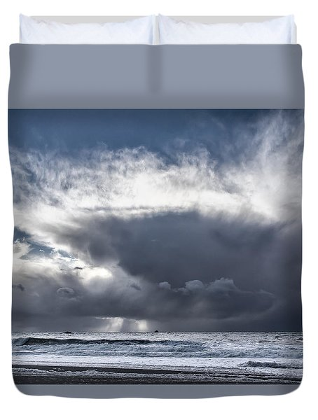 Dramatic Cloud Formations Over The Pacific Ocean Duvet Cover