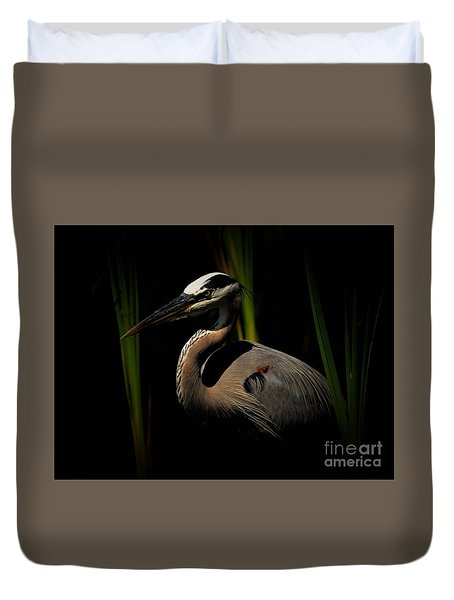 Duvet Cover featuring the photograph Dramatic Heron by Pamela Blizzard