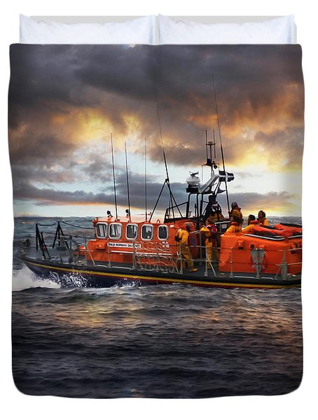 Dramatic Once More Unto The Breach  Duvet Cover