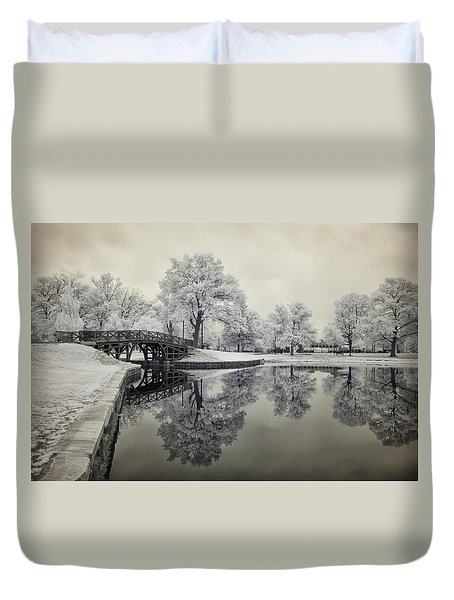 Dreamlike Elm Park In Worcester Duvet Cover