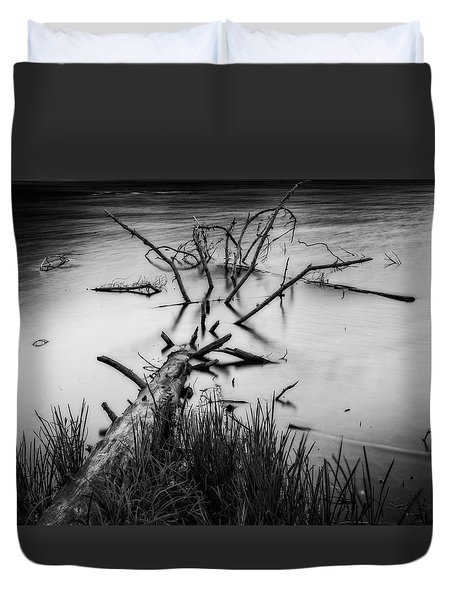 Duvet Cover featuring the photograph Drowning by Alan Raasch