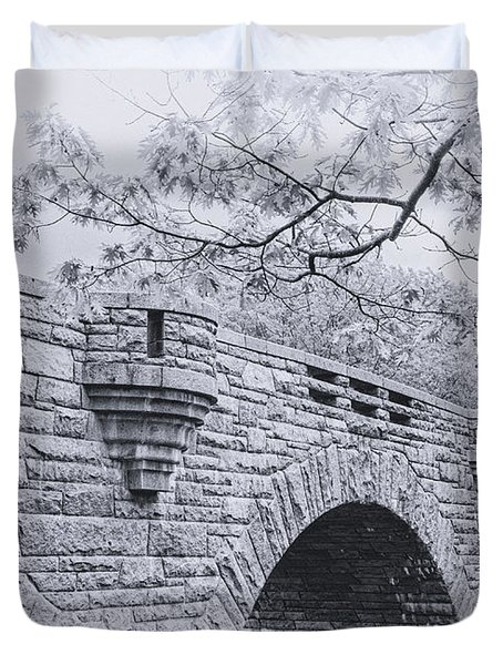 Duck Brook Bridge In Black And White Duvet Cover
