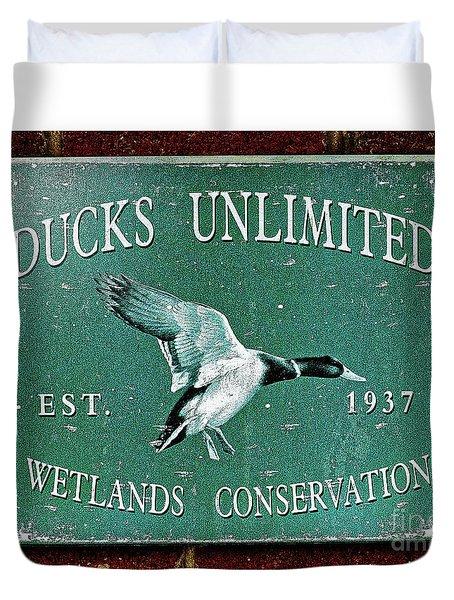 Ducks Unlimited Vintage Sign Duvet Cover by Paul Mashburn